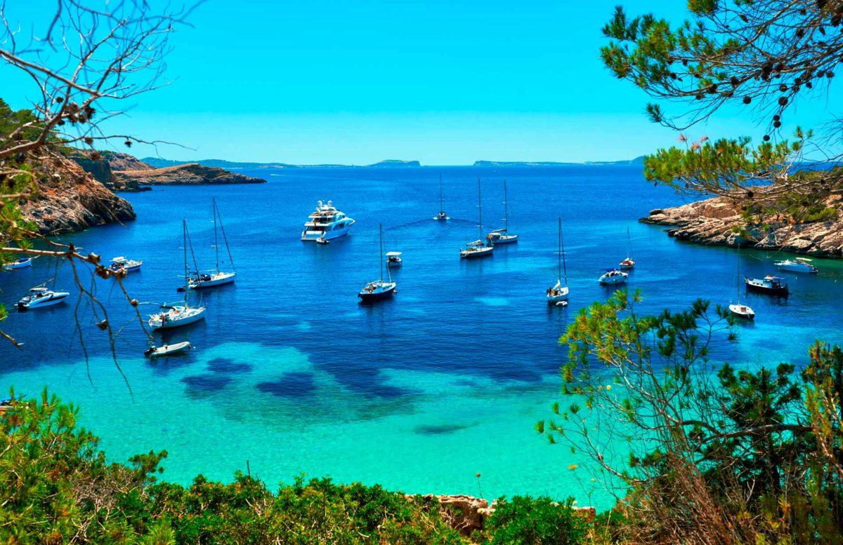 Ibiza Tourisme - Arts et Voyages